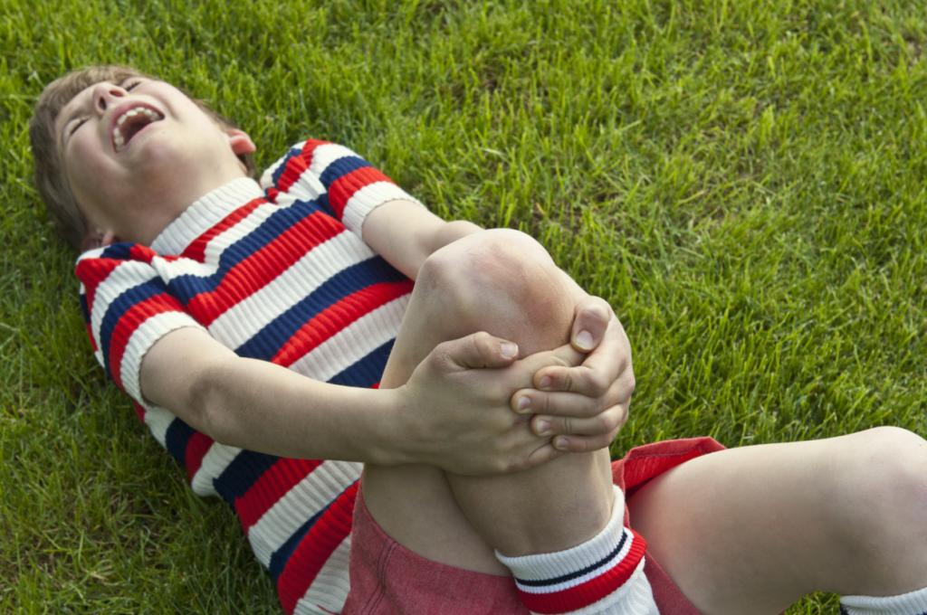 Что делать если ребенок подвернул ногу