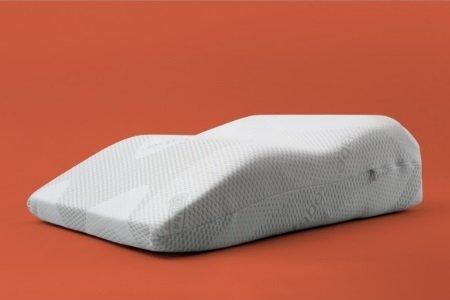 Виды и свойства ортопедических подушек для ног при варикозе