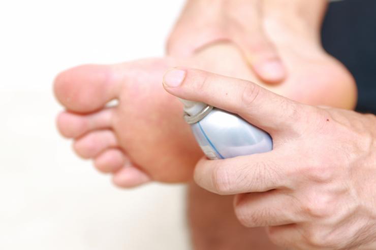 Причины и лечение гипергидроза стоп в домашних условиях