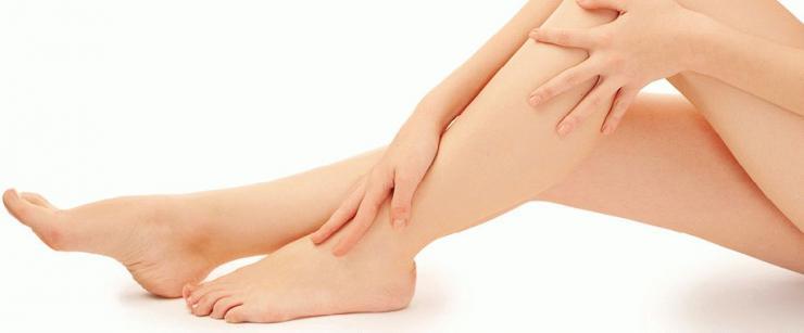 Причины и профилактика отеков ног перед менструацией