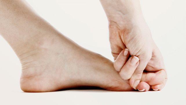 Что делать, если пальцы на ногах сводит судорога?