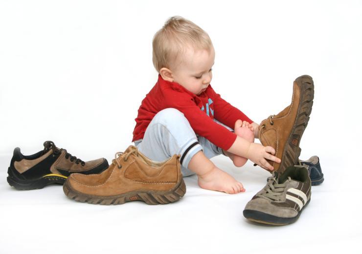 Причины, по которым ребенок подворачивает стопу при ходьбе