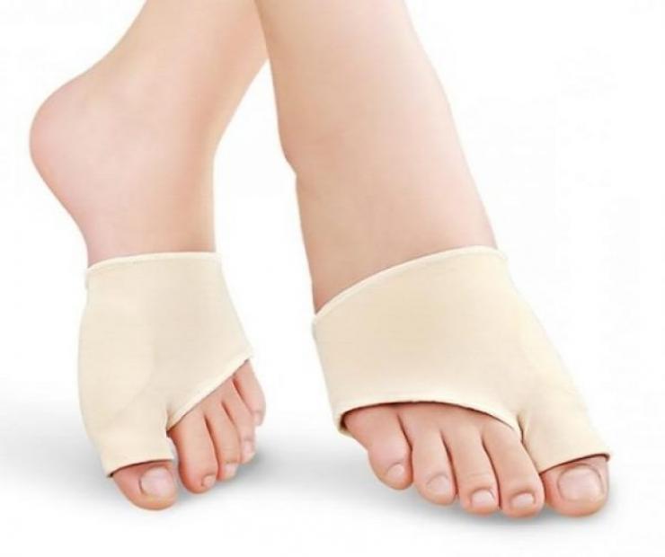 Lechenie-artrita-stopy-pri-pomoshhi-povyazki-768x643-740x620