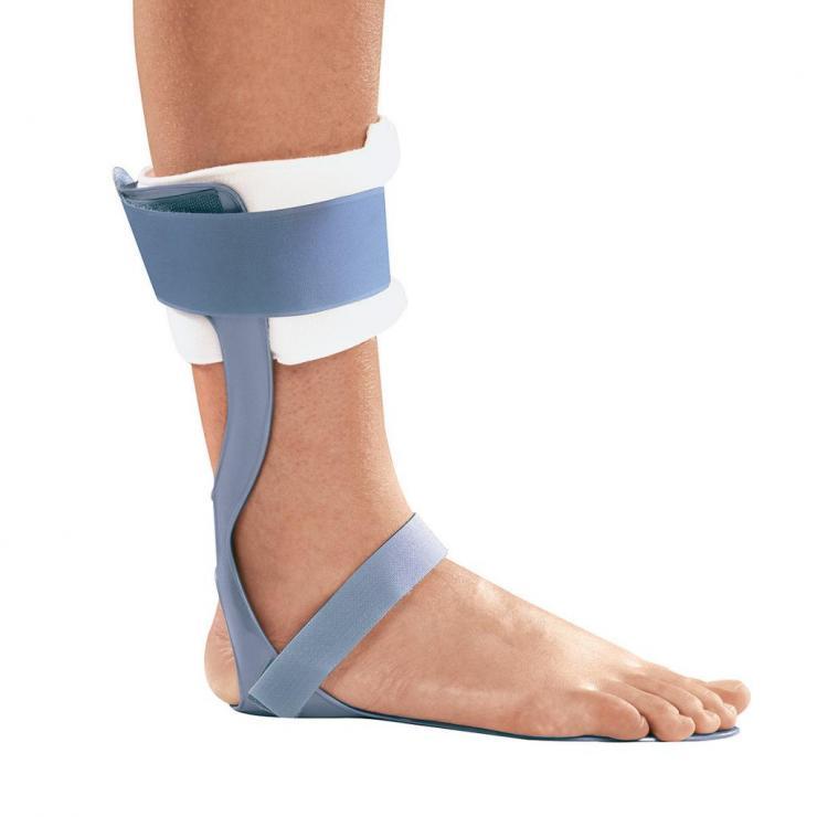 Наложение лангеты на голеностоп при переломе или вывихе