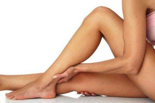 Почему немеют ноги от бедра до стопы?