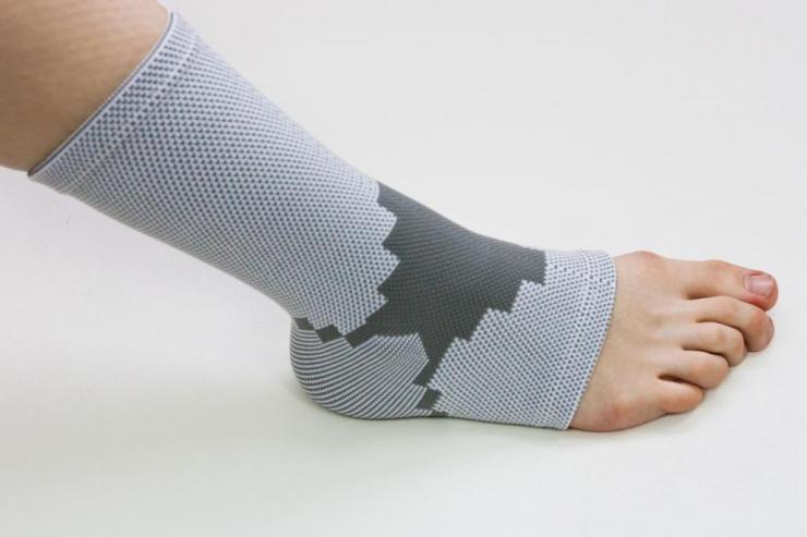 Альтернатива гипсу при переломе ноги - пластиковый ортез