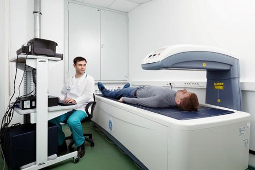Показания и проведение денситометрии суставов ног