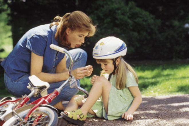 Признаки и лечение перелома бедра у детей