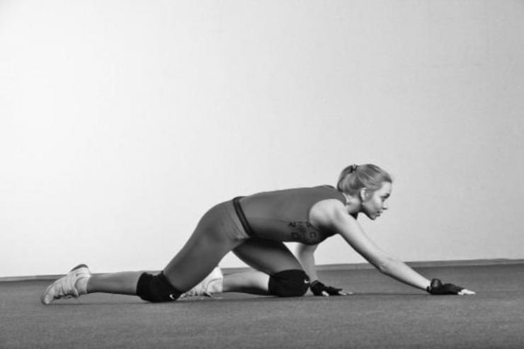 Преимущества и техники ходьбы на коленях