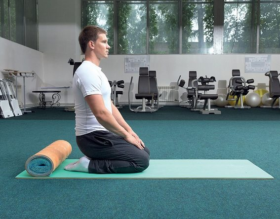 Почему тянет ногу от бедра до колена сзади?