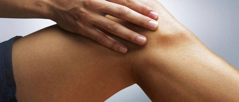 Уплотнение под кожей на бедре не болит