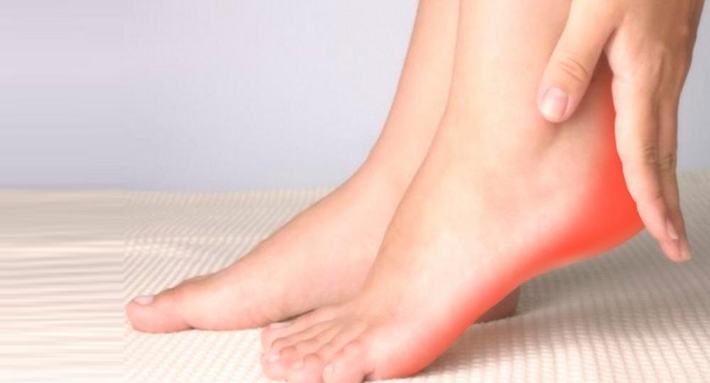 Почему болят пятки: причины и лечение в домашних условиях